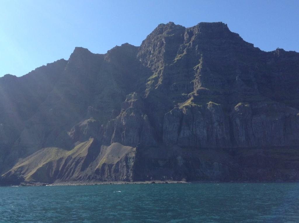 En sortant du fjord de Seydisfjordur le 12 août 2013, Islande